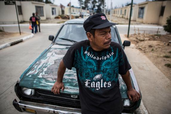 Óscar perdió su trabajo como mecánico de una línea de taxis por no presentarse a trabajar luego del deslave.