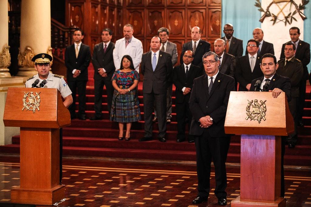 Nery Ramos, como director de la PNC, da declaraciones en la conferencia de Prensa del Gobierno, encabezada por Jimmy Morales.