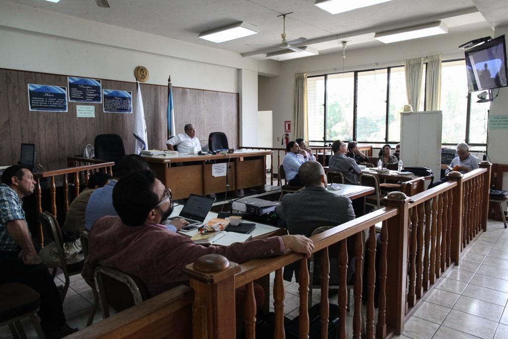 Panorámica de la sala de audiencias en Puerto Barrios, Izabal, donde se desarrolla el juicio por la muerte de los estudiantes de la UVG.