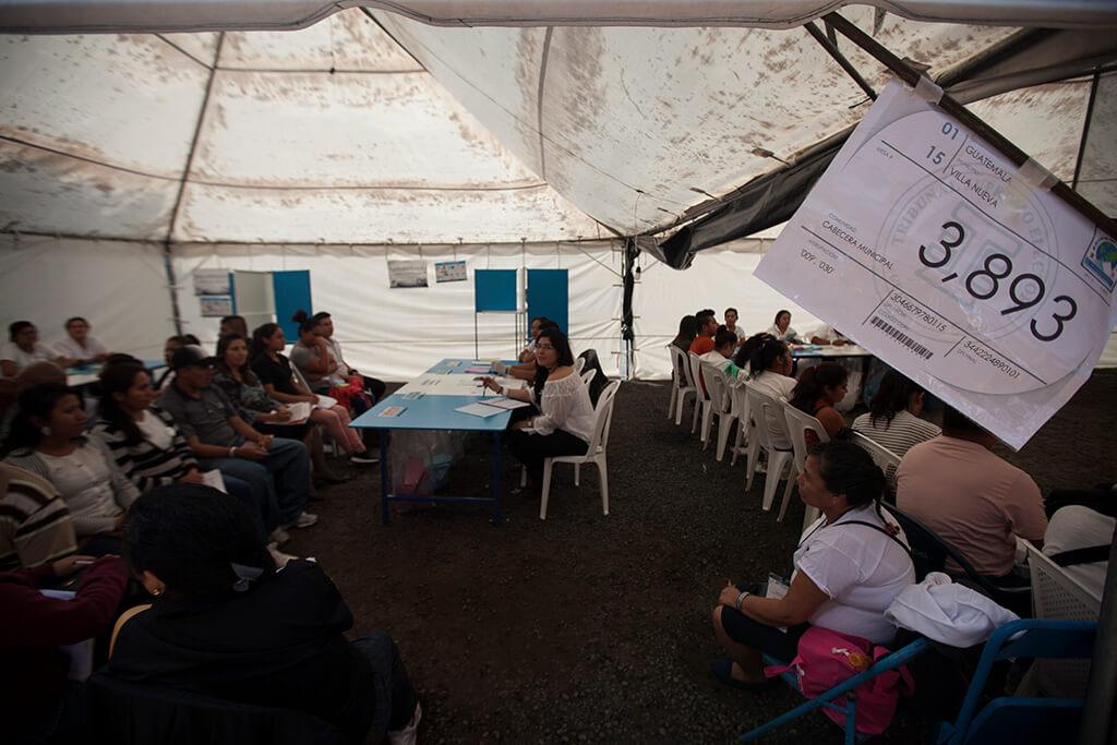 Votaciones en uno de los centros de Alioto López. Foto: Sandra Sebastián