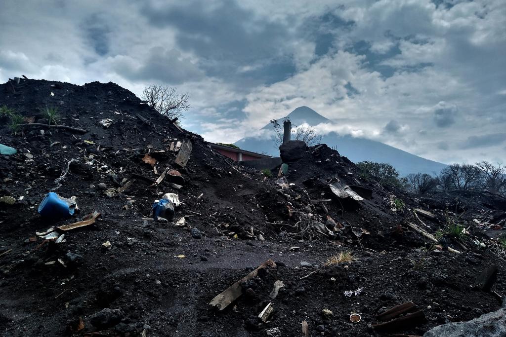 La desolación que dejó el volcán de Fuego. Foto: Asier Vera