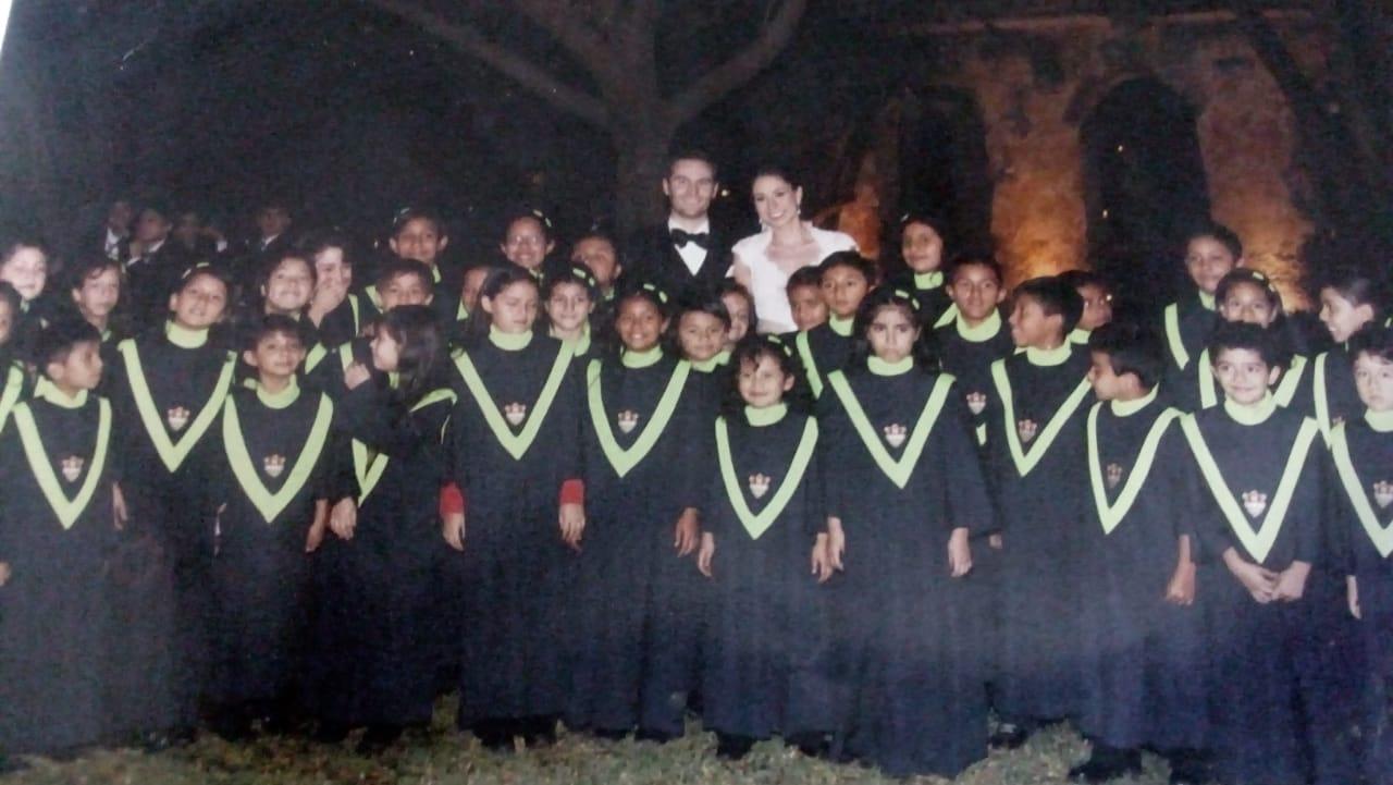 El coro municipal en la boda Arzú-Pullin.