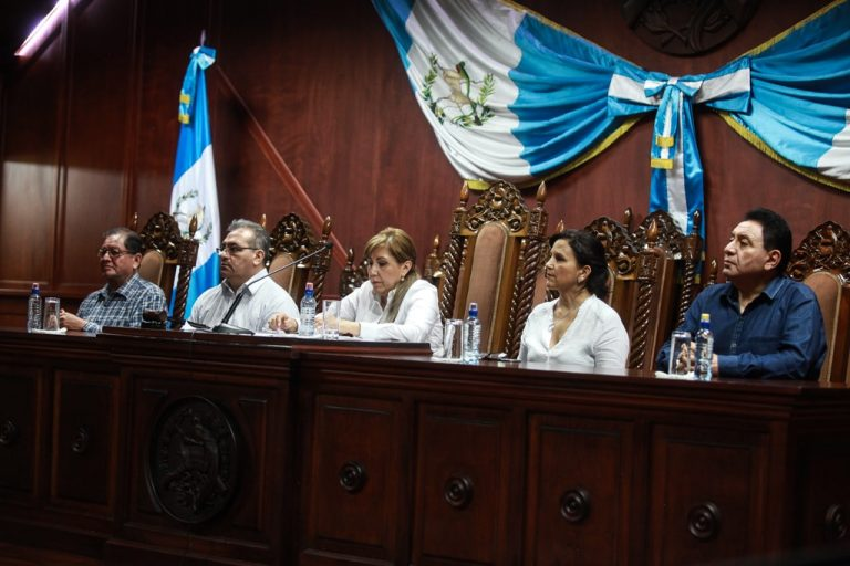 Constitutional Court judges on the Sunday of 2017 they stopped the non-grato order to prevent CICIG commissioner Iván Velásquez from entering the country.