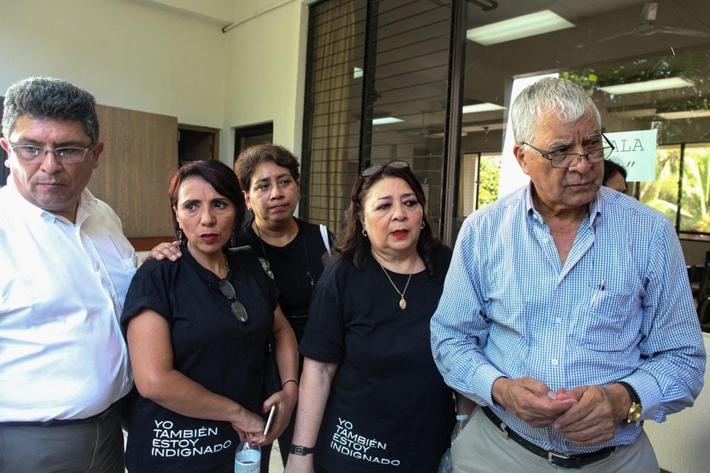 Después de más de siete años, los padres y madres de los estudiantes de la UVG escuchan una sentencia en el caso, pero no se resolvió cómo fallecieron sus hijos. Foto: Carlos Sebastián
