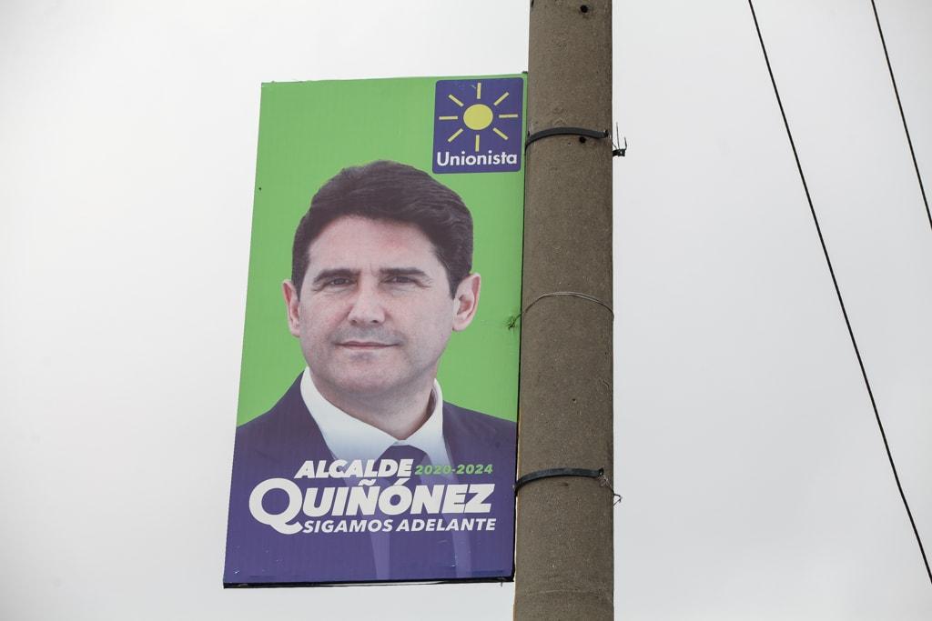Publicidad de Ricardo Quiñónez. Foto: Carlos Sebastián