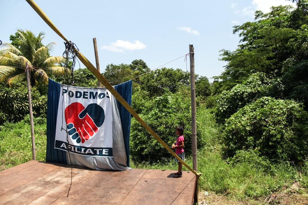Parte de la publicidad que tiene el partido PODEMOS en San Andrés Villa Seca donde promueve la candidatura de Roberto Arzú.