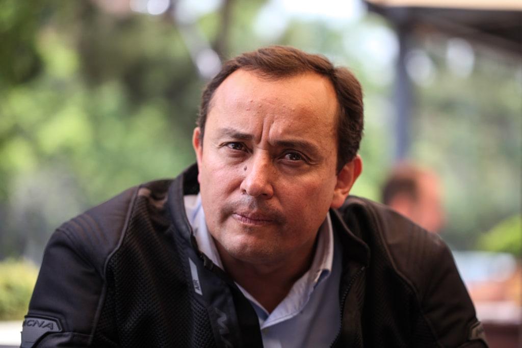 Roberto González, en entrevista con Nómada. Foto: Carlos Sebastián