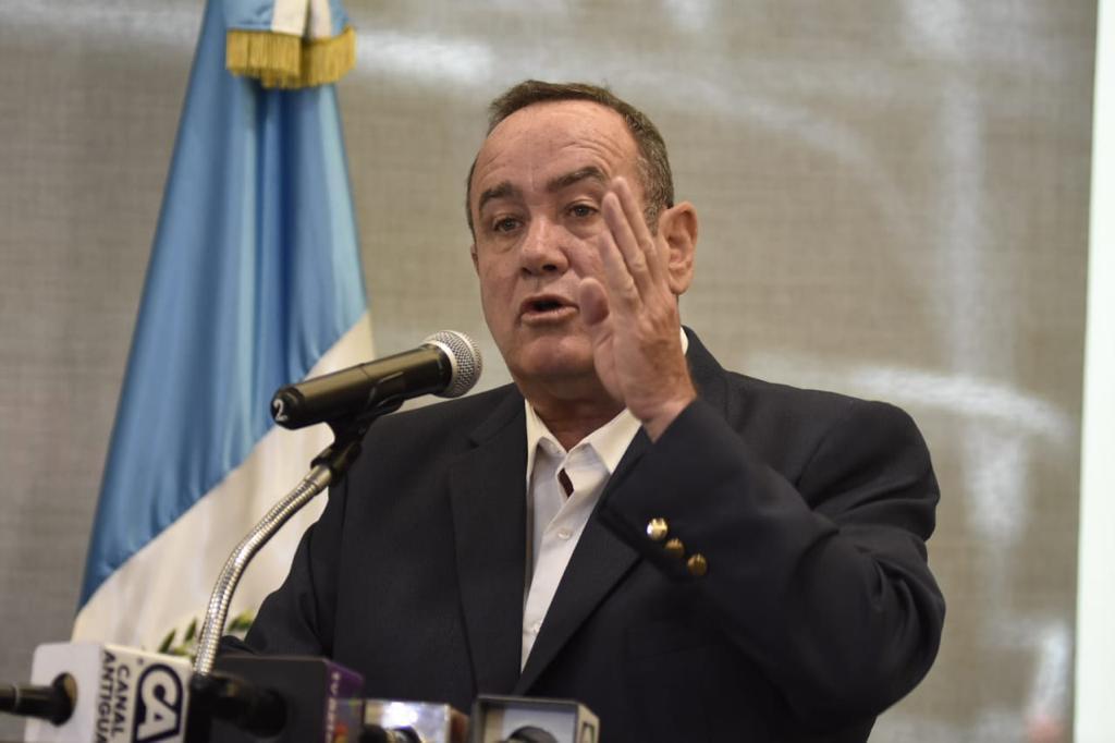 Alejandro Giammattei, en conferencia de prensa sugirió que el TSE contrate a una empresa que haga una auditoría de resultados.