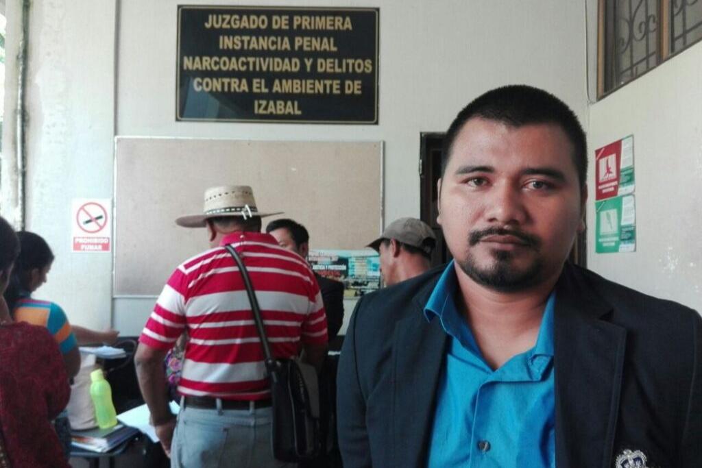 Jerson Xitumul en el juzgado al momento de conocer que obtendría su libertad. Foto: Rony Morales