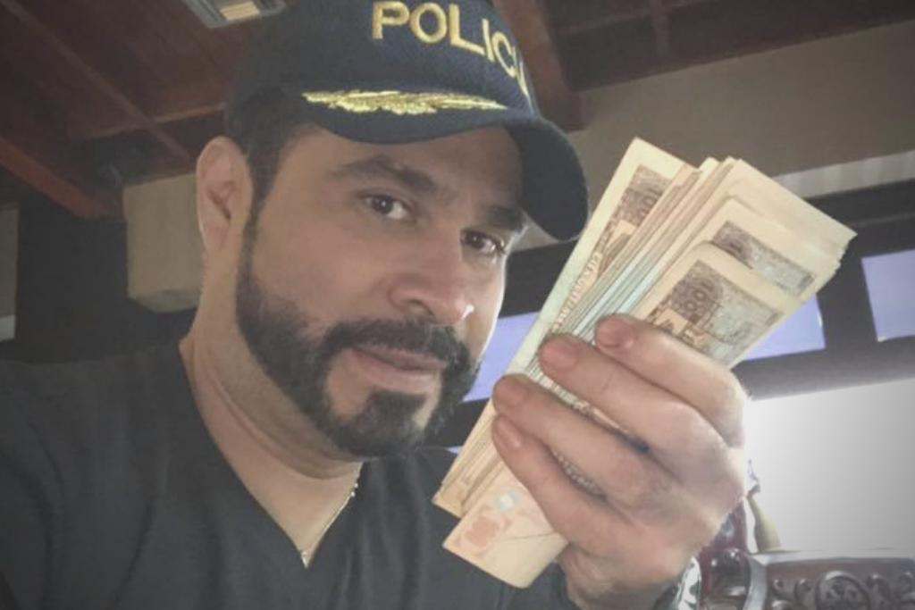 El alcalde de Mixco es de los funcionarios más mediáticos. Utiliza sus cuentas en redes sociales para presumir sus disfraces, sus actividades privadas y dinero.