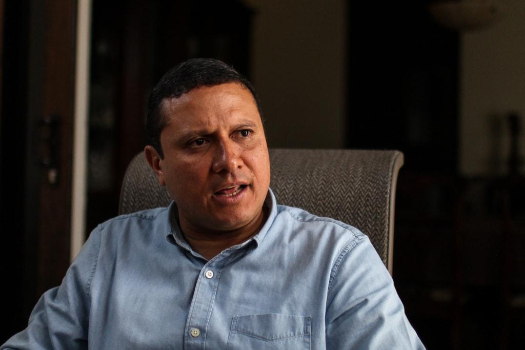Carlos Raúl Morales.