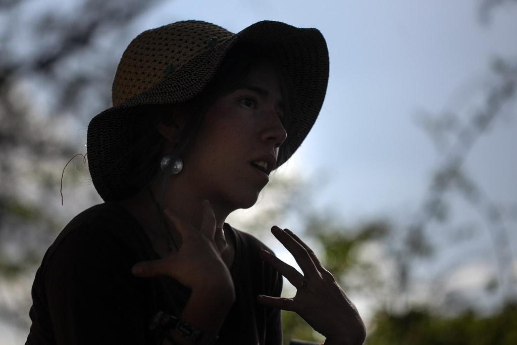 """Pamela Flores cuenta su historia como una manera de """"sanación"""". Foto: Carlos Sebastián"""