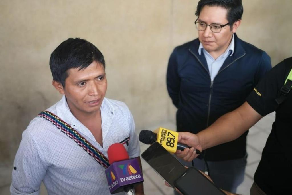 Miguel Tun es acompañado por Antigua al Rescate y Acción Ciudadana para denunciar a la PGN y el hospital donde falleció su hijo.