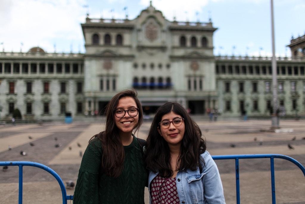 Rodríguez y García, en la Plaza de la Constitución, escenario donde volvió a cobrar relevancia el papel de la AEU. Foto: Carlos Sebastián