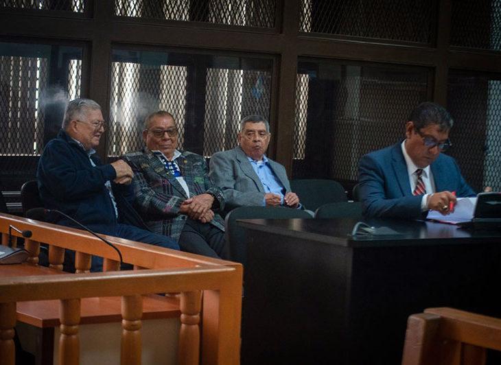 Los tres militares acusados escuchan al Ministerio Público. Foto: David Toro/Prensa Comunitaria