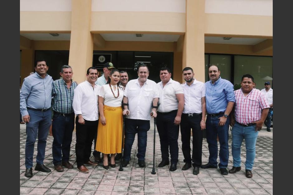 Arnoldo Vargas (2do de izq. a der.) participó en la reunión con Alejandro Giammattei. Foto: Soy502