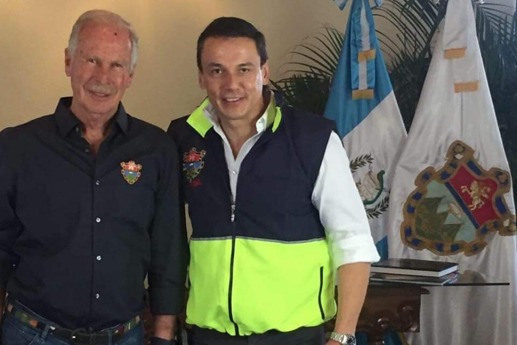 Jorge Mario García, alias Guilligan, y el fallecido alcalde Alvaro Arzú Irigoyen. Foto: Tomada del Facebook