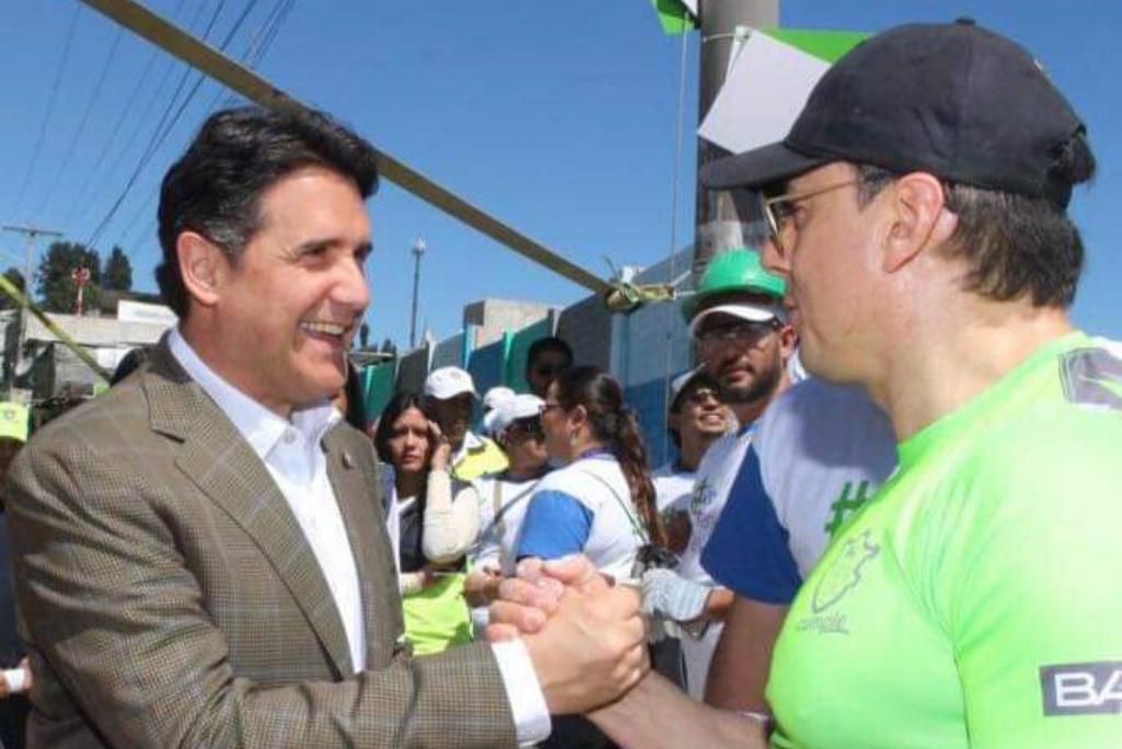 Alcalde Ricardo Quiñónez y Jorge Mario García, alcalde auxiliar de la zona 21. Foto: Tomada de Facebook