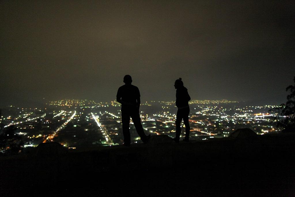Antigua Guatemala, vista de noche desde el Cerro de la Cruz.