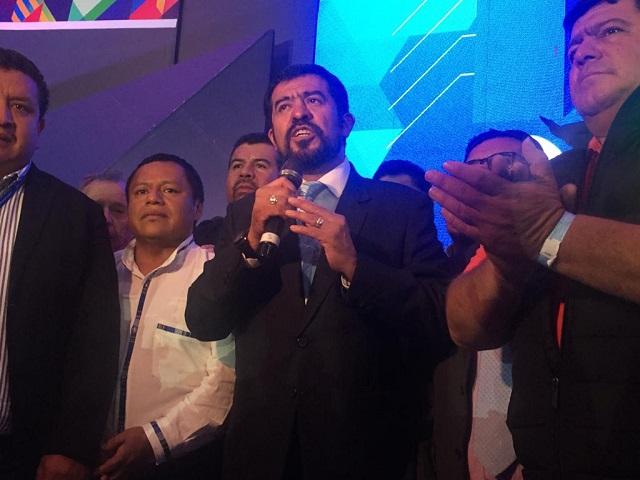 Luis Cordón, alcalde de Gualán, Zacapa (primero de derecha a izquierda) es el segundo directivo de la Anam más importante después de Ovalle. Foto Isaias Morales