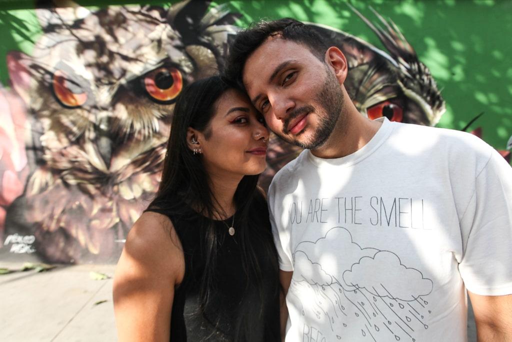 """""""Nos gusta salir en fotos"""", dicen Liss Xoyón, 30, y Diego Tobar, 31, con una sonrisa. Llevan 10 años juntos."""