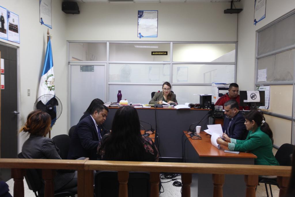 Audiencia en el juzgado de Femicidio. Se resolvió que el caso en contra del músico Paulo Alvarado sea reactivado. Foto: Carlos Sebastián