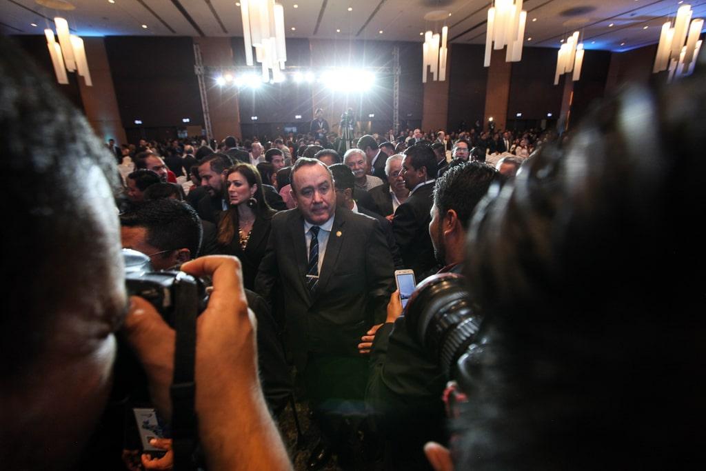 Alejandro Giammattei recorre el hotel donde se desarrolló el V Encuentro Ciudadano.
