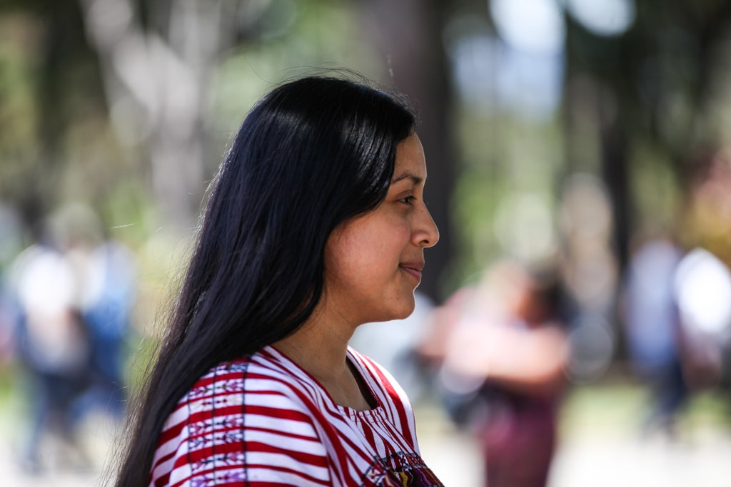 Lesly Curup apoya a su comunidad y en la universidad indígena.