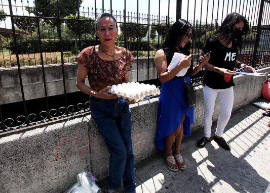 Susy Palacios Zucuy, de 52 años, vive del trabajo sexual. Depende de sus ingresos para mantener a a su hija y su mamá.