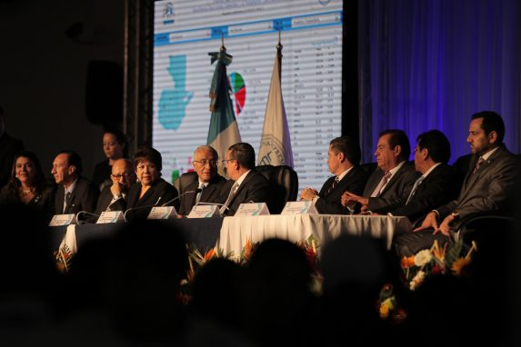 Magistrados del TSE en una conferencia de prensa.
