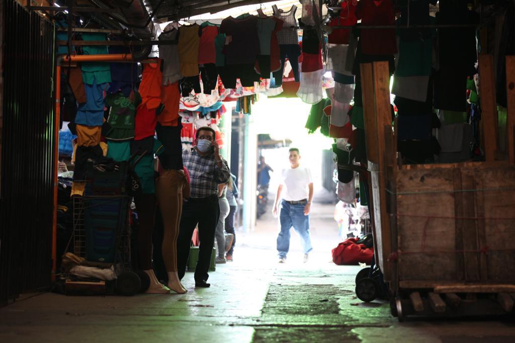 El comercio informal sería uno de los más afectados porque no cuentan con garantías de seguridad social.