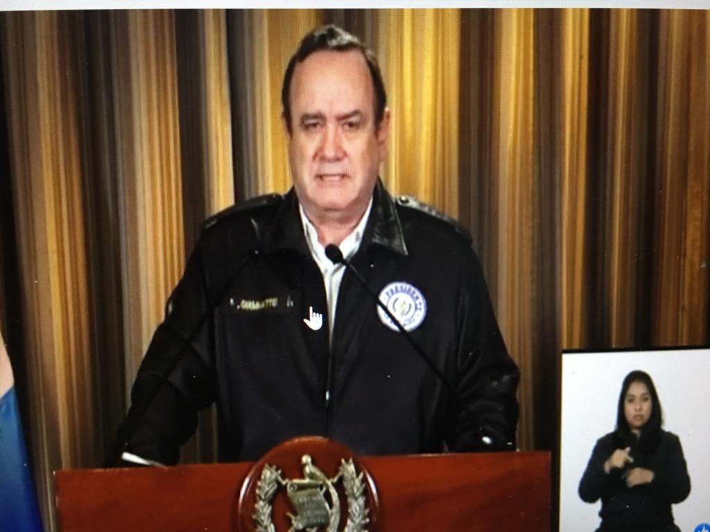 Alejandro Giammattei en cadena nacional este viernes 20 de marzo.