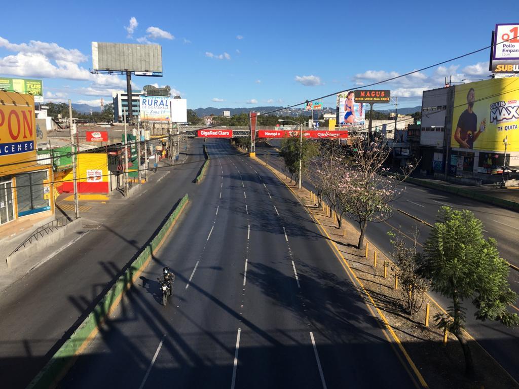 La ciudad vacía por que toque de queda. Foto: Carlos Sebastián