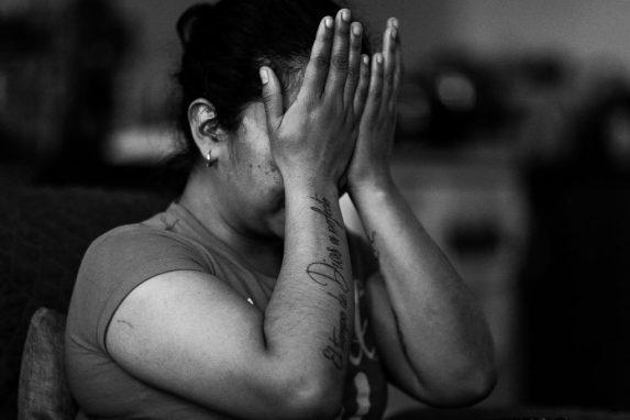 Una mujer víctima de violencia, en 2016.