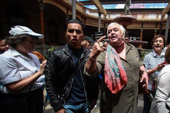 Bárbara Hernández contra Sandoval y el informe que podría cambiar el futuro de las Cortes imagen